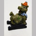 Glücksbri. Hippo auf Schlitten 5cm