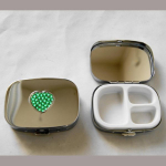Pillendose Herz grün